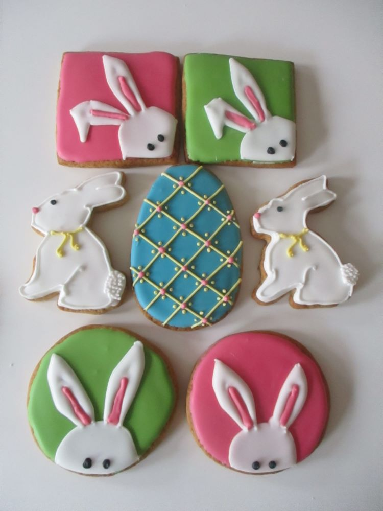 Easter rabbit bunny decorated cookies