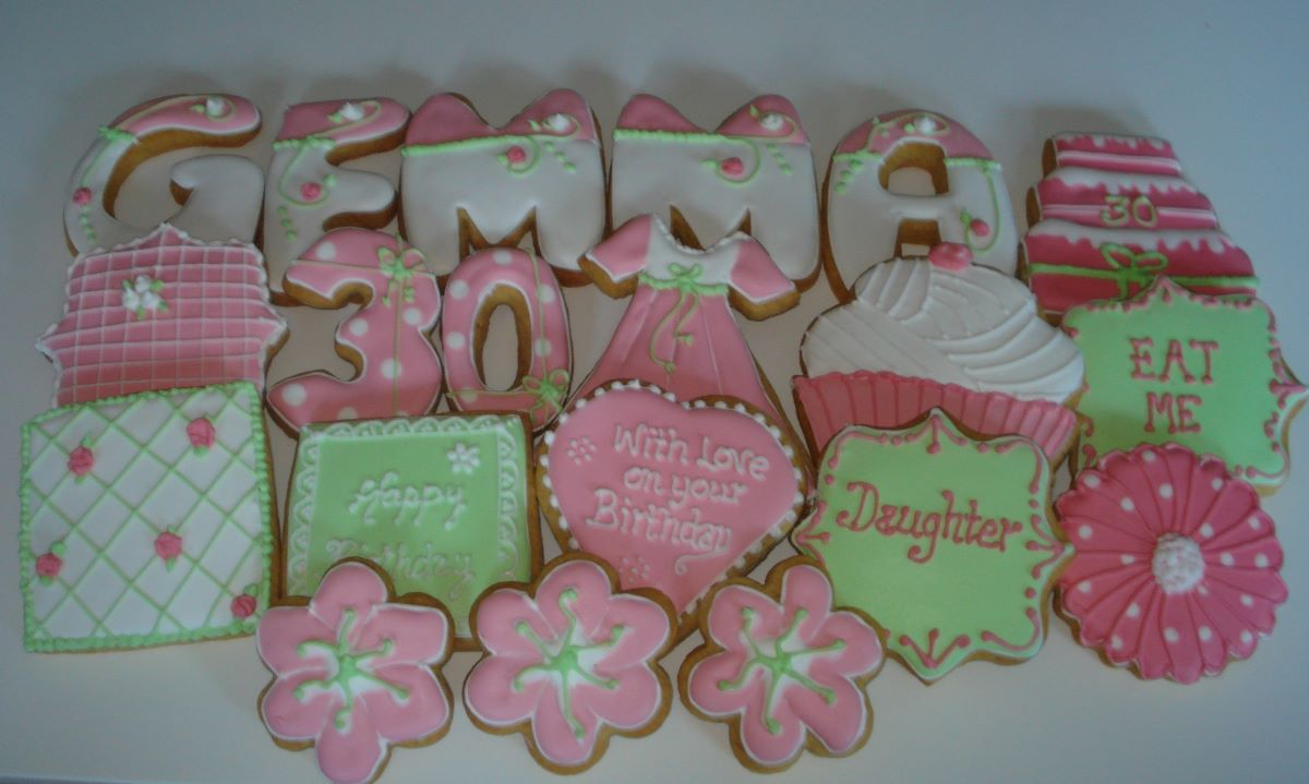 Pink flower cake birthday decorated cookies